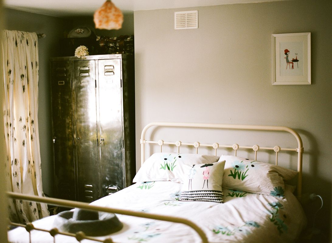 Lisa Levis (nee Stickley) interior design vintage bedroom
