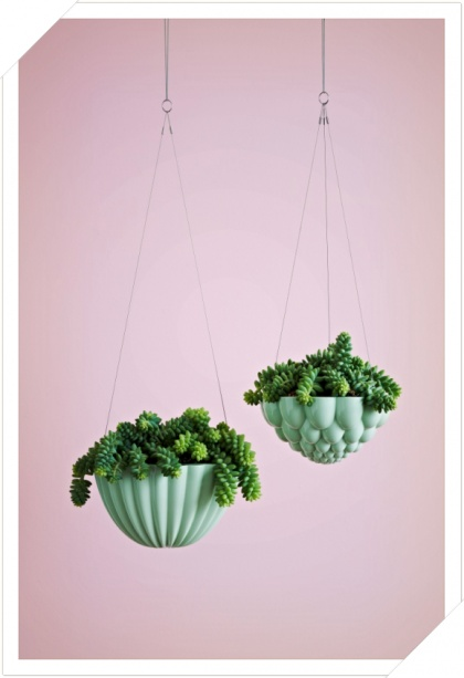 Angus and Celeste Hanging jelly mould planter green