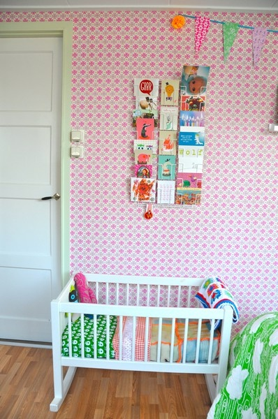 Vintage blankets in kitsch nursery