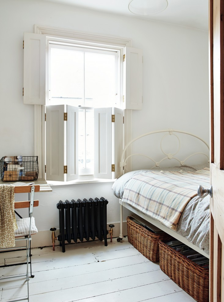 Beautifully Small by Sara Emslie | Apartment Apothecary