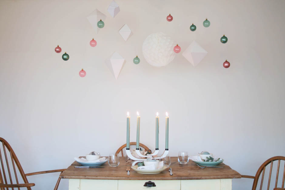 An alternative Christmas table | Pastel Christmas table setting | How to make paint dipped baubles | Apartment Apothecary