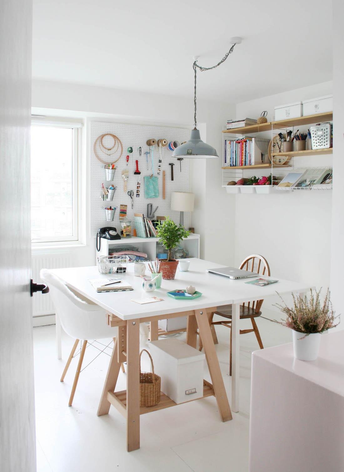 Home office makeover tips with Inkifi | Scandi inspired work space | Apartment Apothecary