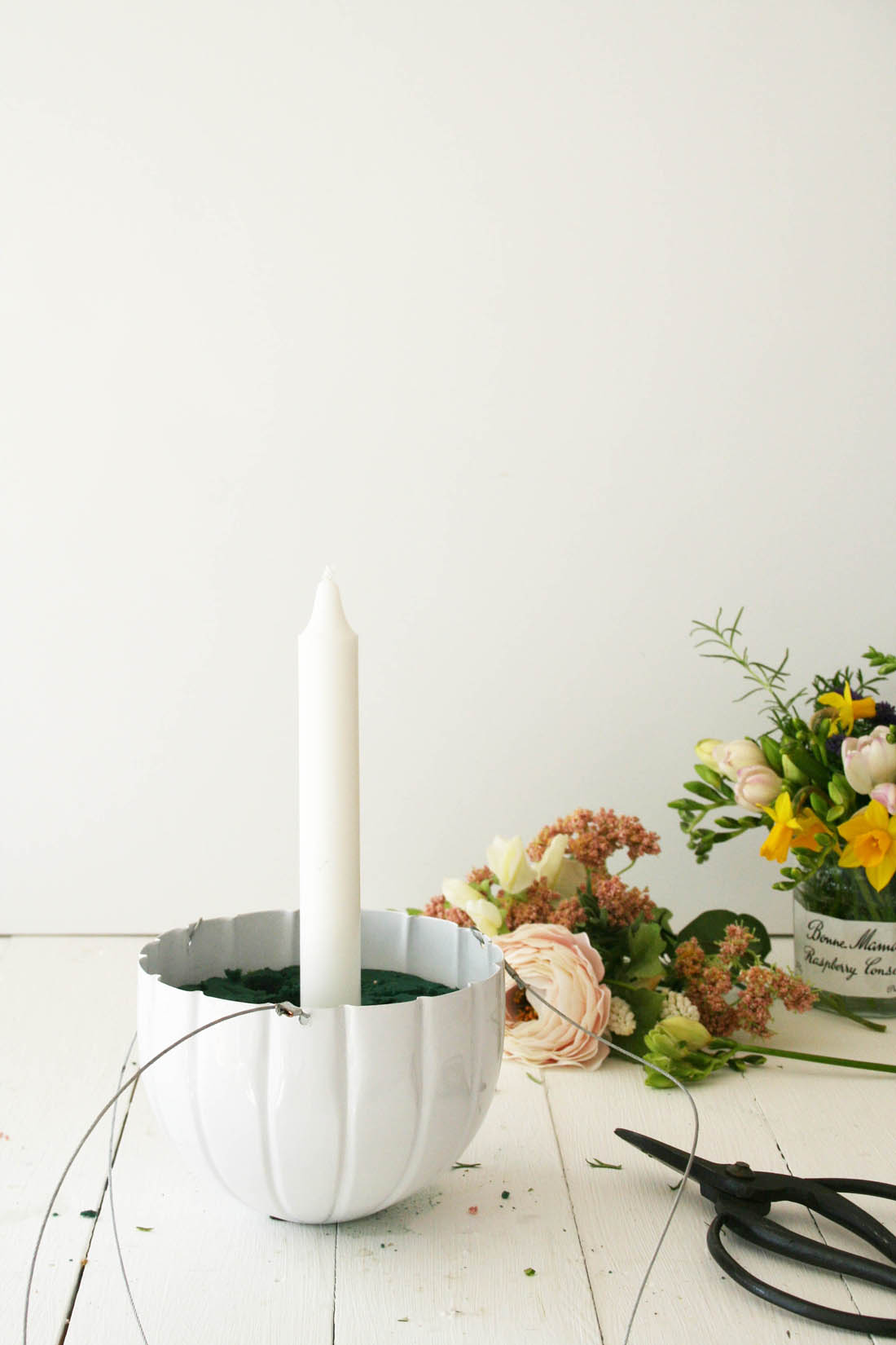 Hanging candle holder for a Spring easter table | Easter table decoration | Out There Interiors | Apartment Apothecary