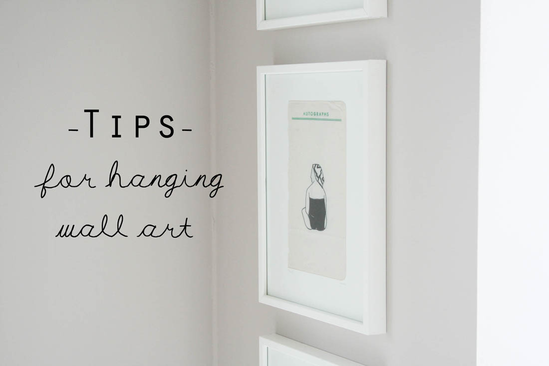 Easy ways to hang wall art | Using command strips to hang pictures | Apartment Apothecary