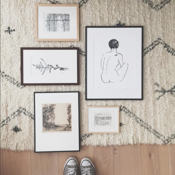 Easy ways to hang wall art | Vintage gallery wall by Hollly at Lifestyle Avenue | Apartment Apothecary