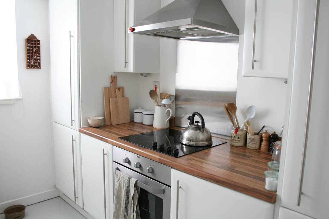 Kitchen makeover before | DIY room makeover | Apartment Apothecary