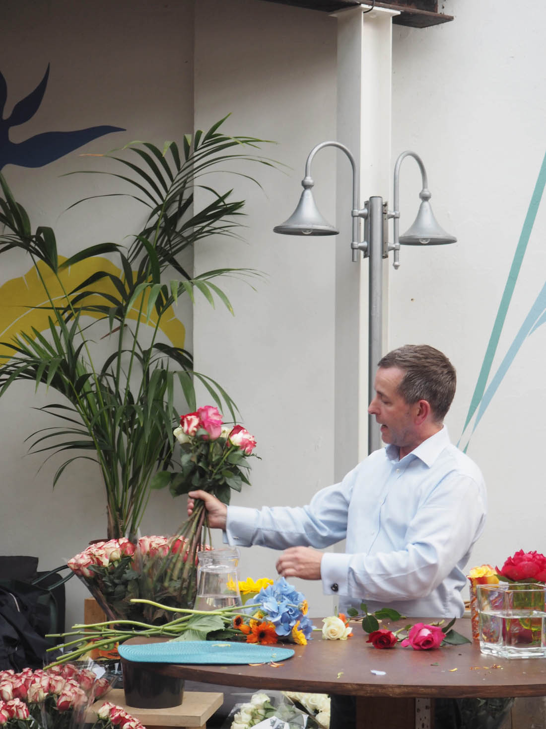 Flower arranging with M&S   Apartment Apothecary