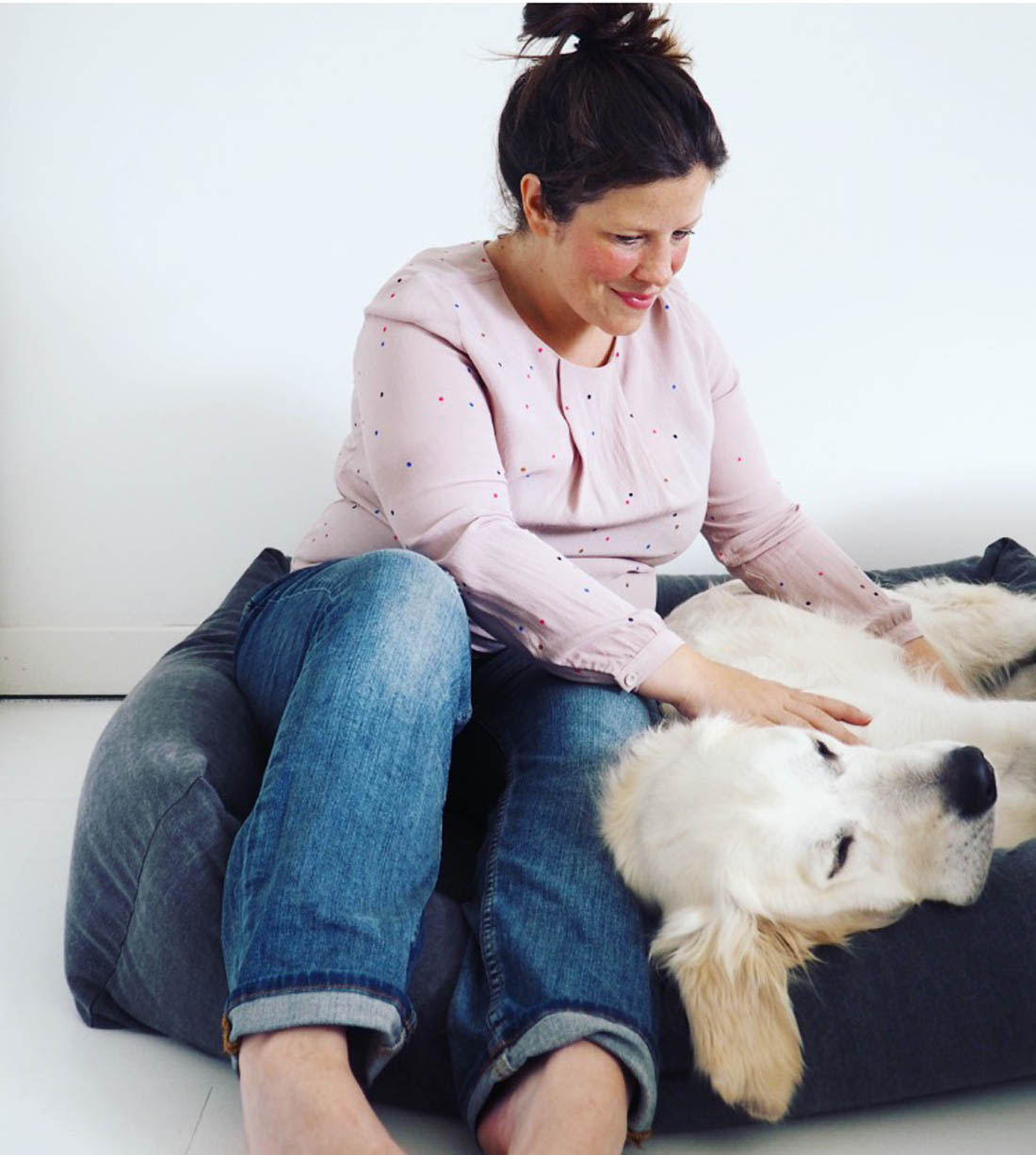 Living with dogs | Tips for keeping your home clean with dogs | Beautiful dog bed | Apartment Apothecary