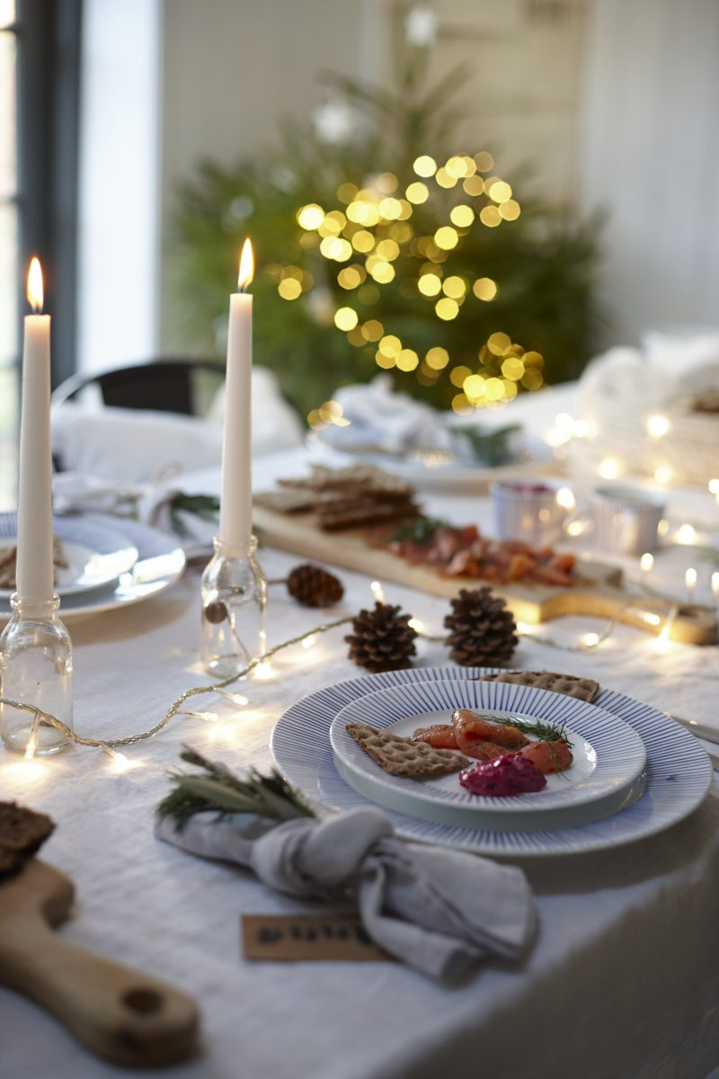Scandinavian Christmas dining | ALSO Home | Apartment Apothecary
