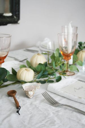 Styling an Autumn table | Robert Welch cutlery | Autumnal table with pumpkins, touches of pink and Eucalyptus | The perfect dinner party menu | Apartment Apartment