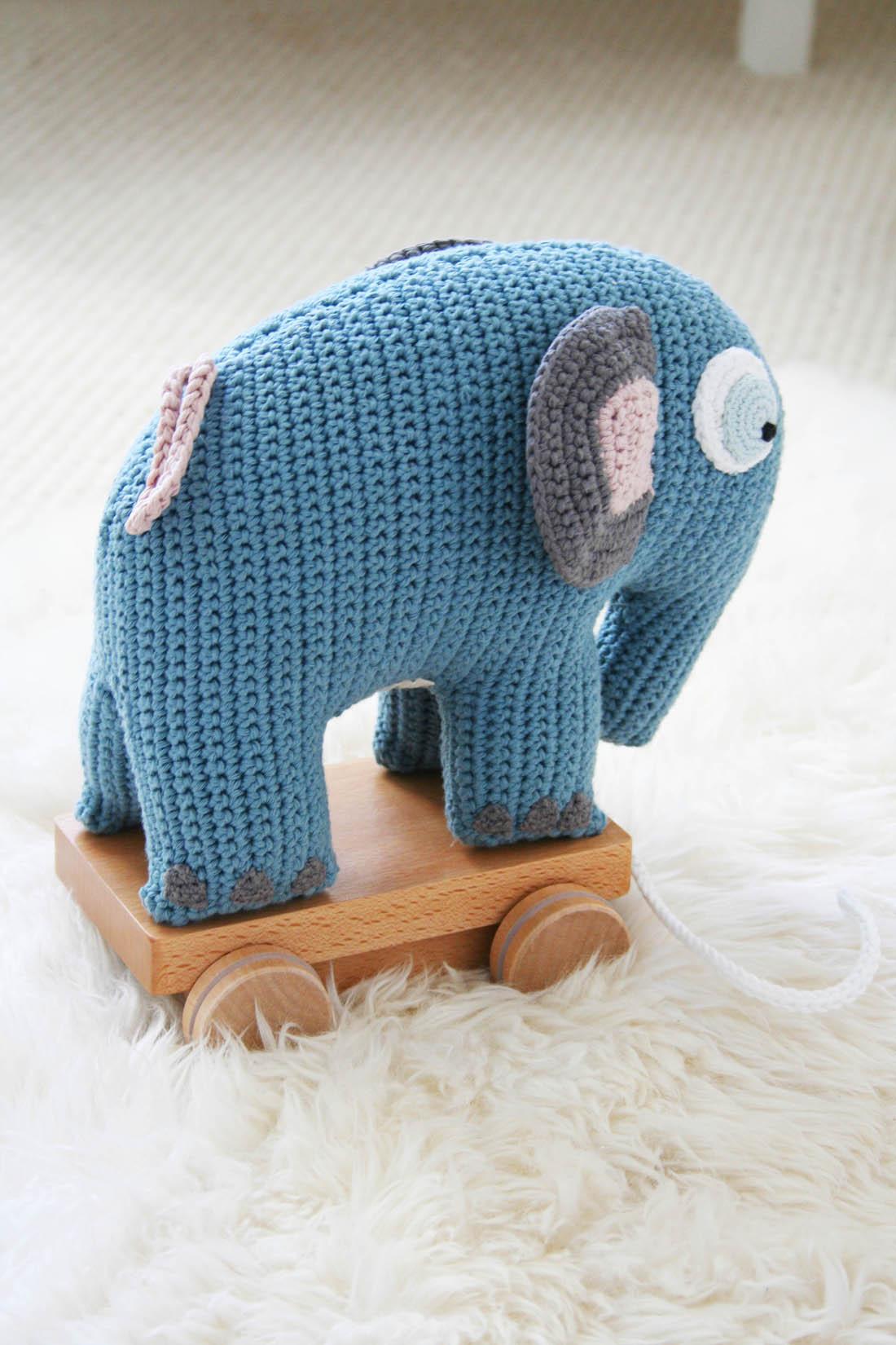 Nursery tour | Sebra elephant on wheels | Apartment Apothecary