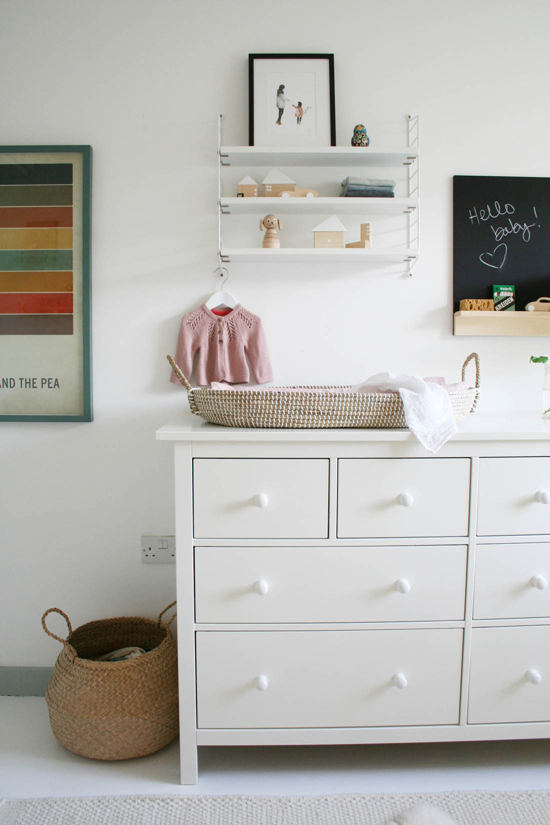 Nursery tour | Pocket string shelf and reva changing basket | Pinch toys wooden toys | Hemnes chest of drawers from IKEA | Apartment Apothecary
