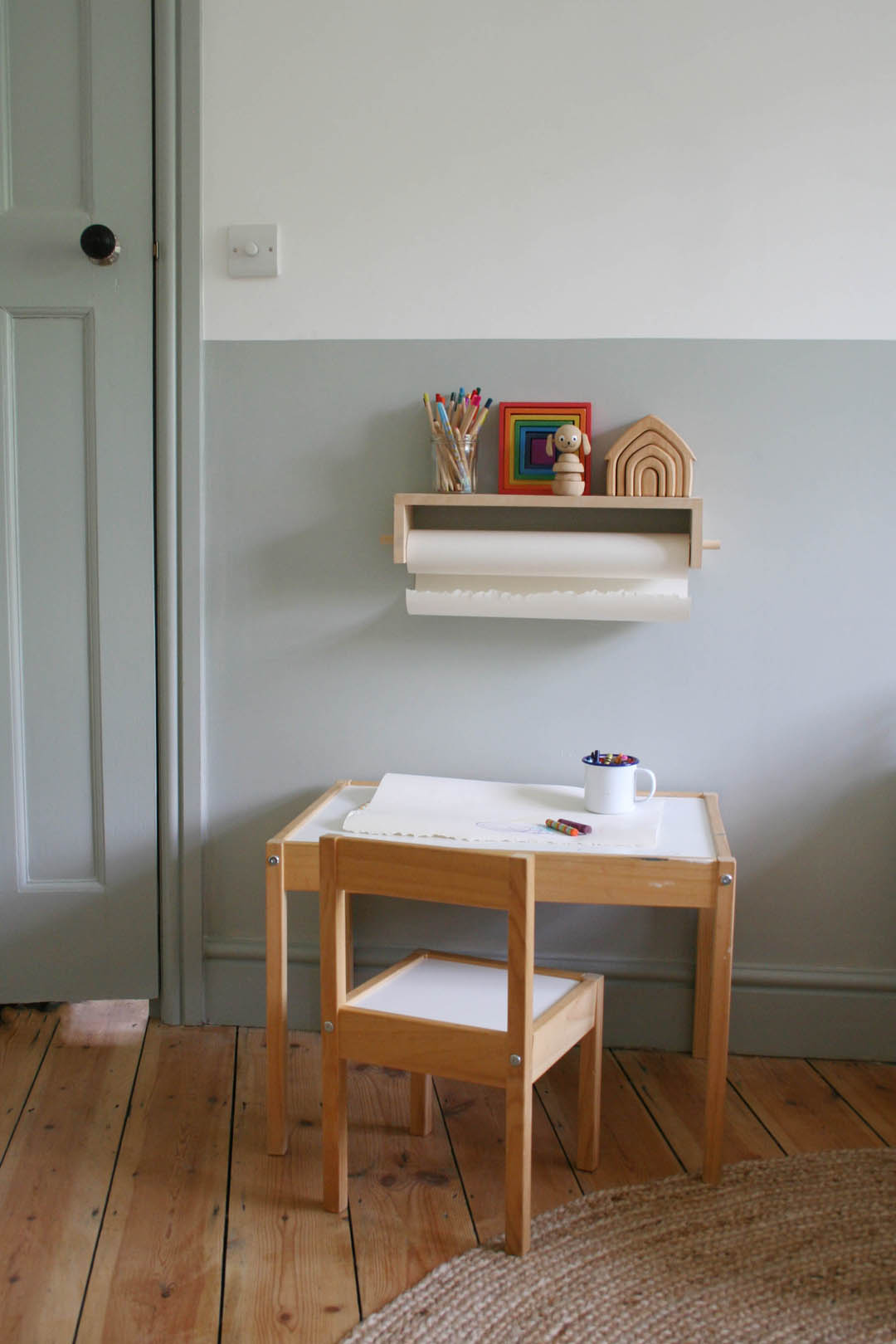 How to do a half-painted wall for a child's bedroom